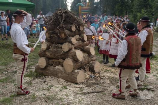 XVII Dzień Polowaca w Jurgowie - Rozpalenie watry