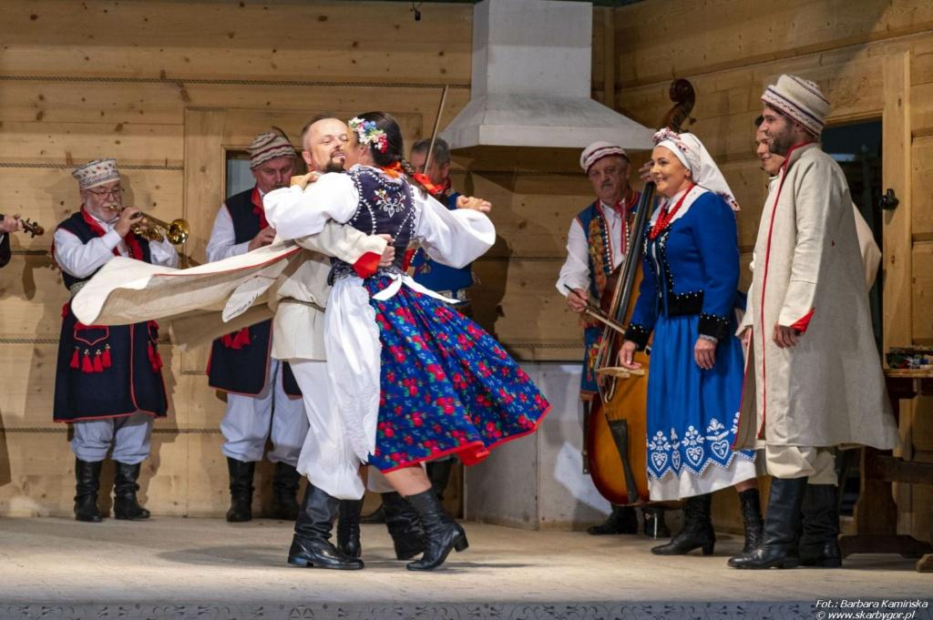 Zespół Folklorystyczny Otfinowianie z Otfinowa